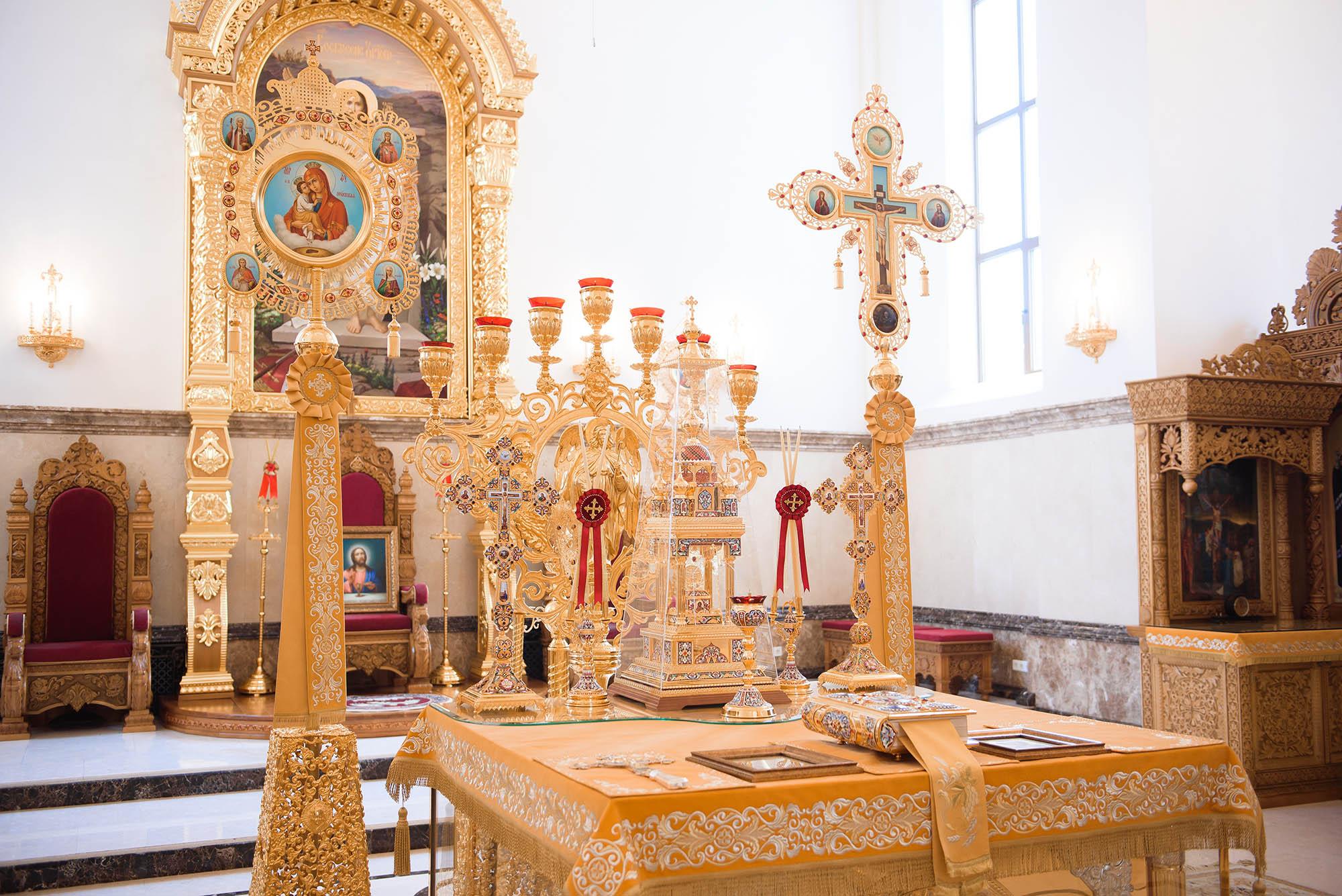 Russian church wedding photography